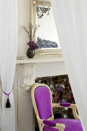 House of Agnes: Venice Room
