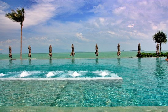 Hansar Samui Resort: pool deck