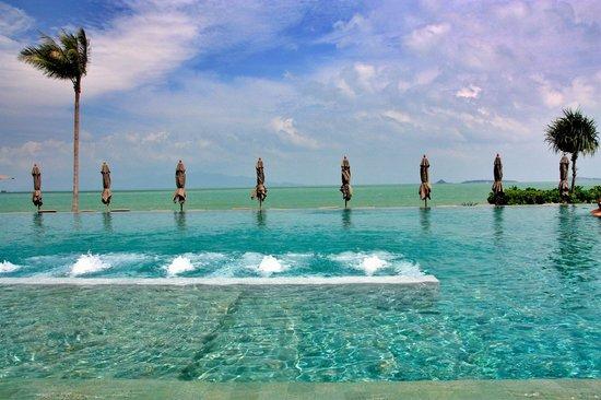 Hansar Samui Resort : pool deck