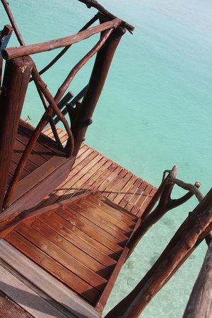 Aitutaki Lagoon Resort & Spa : Your own private deck