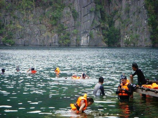 Coron Bay: taking a dip