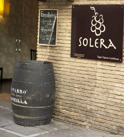 Restaurante solera caf bar en c rdoba con cocina tapas for Cocina 33 cordoba