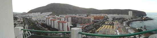 Comodoro Apartments: balcony view