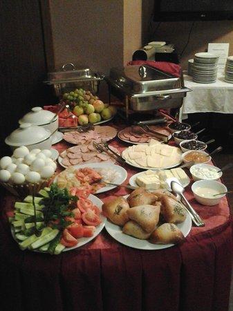 Atlanticа Hotel: Breakfast