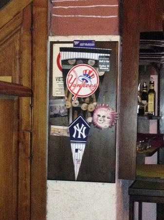 Il Boccale: The owner loves the Yankees!