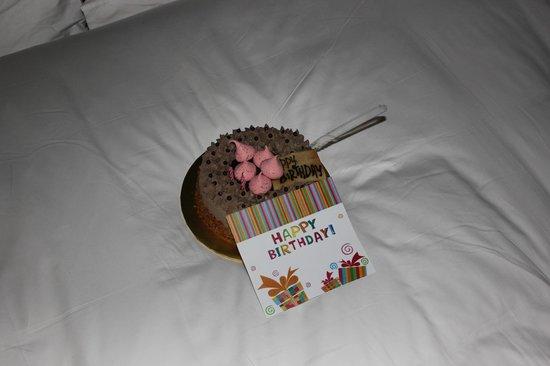 AVANI Sepang Goldcoast Resort: birthday cake