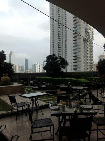 Trump International Hotel & Tower Panama: outside