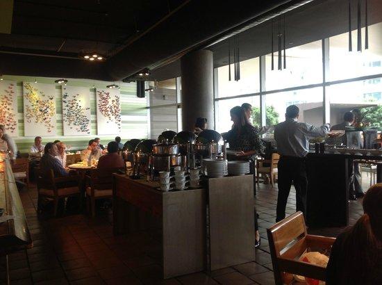 Trump Ocean Club International Hotel & Tower Panama: breakfast room