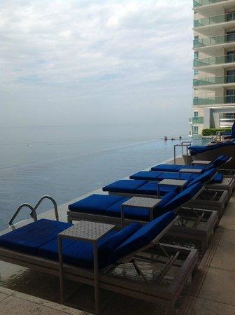 Trump Ocean Club International Hotel & Tower Panama: swimming area