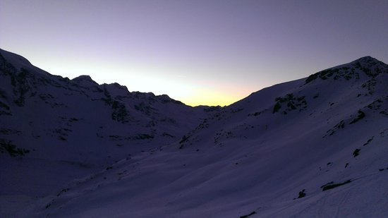 Berghaus Diavolezza: Evening view from Berghaus