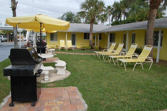 Conclare Aman's Beach Resort: Courtyard