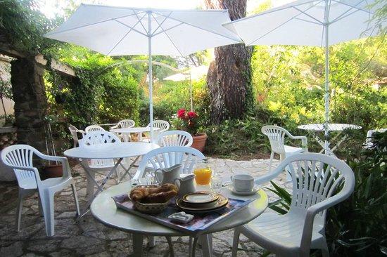 La Belle Isnarde: Frühstücks Ambiente