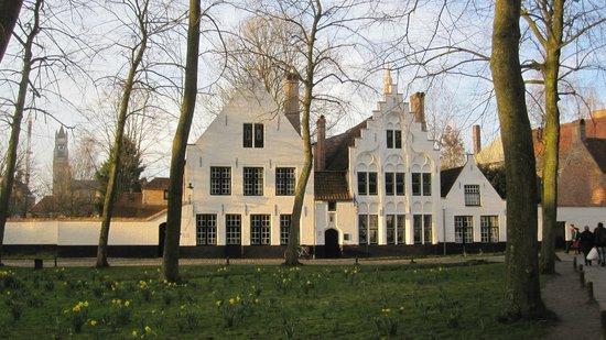 Béguinage : Il Begijnhof di Bruges.