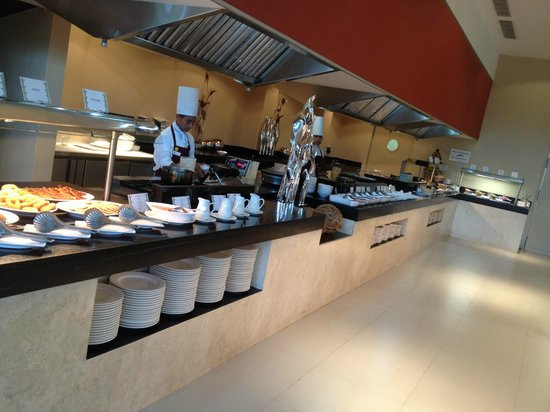 Luxury Bahia Principe Sian Ka'an: buffet