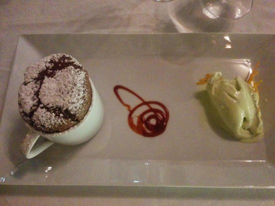 Les Cepages Restaurant: Chocolate Souffle