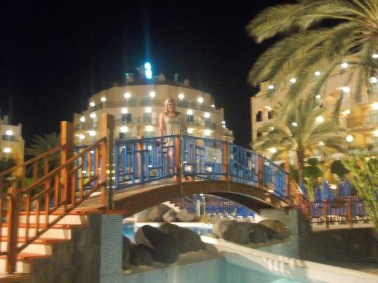 Dunas Mirador Maspalomas: Pool at night