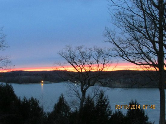 Mohican Lodge and Conference Center: Spectacular Sunset!