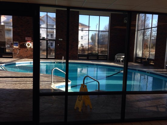 Motel 6 Branson : The pool is warm and well kept