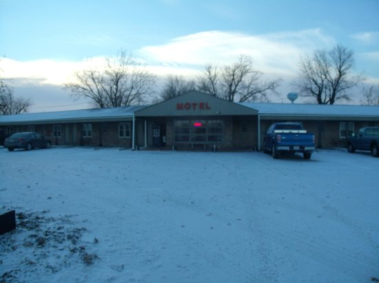 The Vintage Inn: Outside view of Motel
