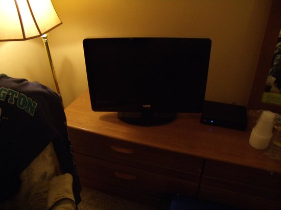 The Vintage Inn: LCD TV with cable