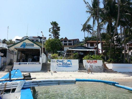 Out of the Blue Resort : l'entrée de l'hôtel