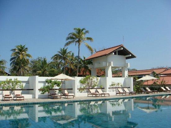 Jetwing Lagoon : swimming pool