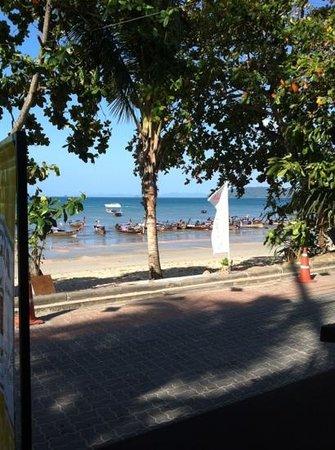 Aonang Villa Resort: promenade