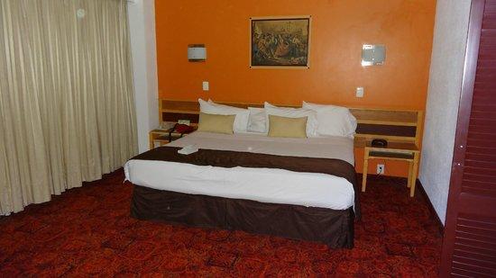 BEST WESTERN Estoril: chambre