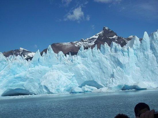 Upsala Glacier: Glaciar Spegazzini y témpanos azulados