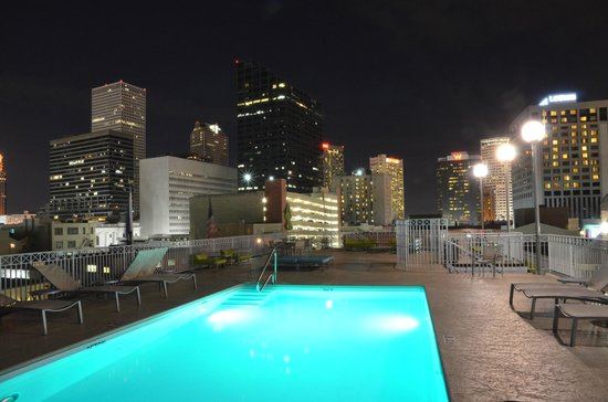 Renaissance New Orleans Arts Warehouse District Hotel Night View From Pool Area