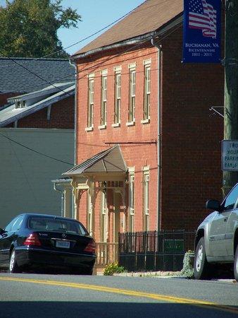 Hunter's Raid Civil War Trail : The Clegg House, one of Buchanan's oldest homes.