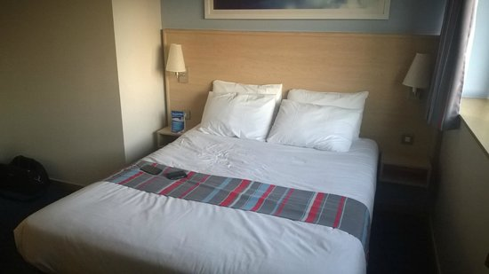Travelodge London Covent Garden : The double bed