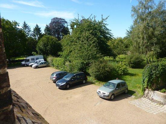 Le Grand Monarque: Parking