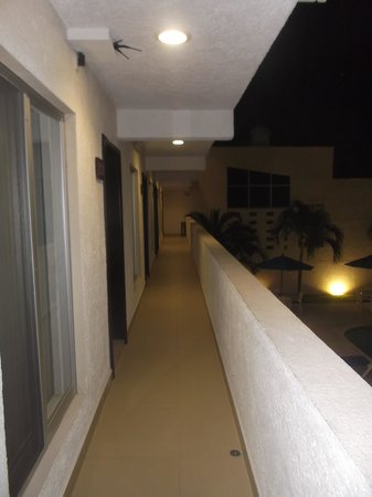 Hotel Bonampak: Photo de soir - 18/02/14