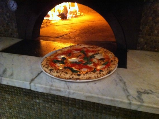 7 Pizzeria Enoteca: Margherita Pizza