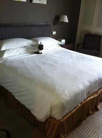 Hotel Equatorial Melaka: bed