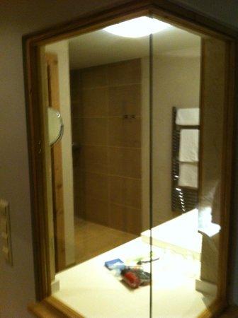 Vital-Hotel Meiser: stylish bathroom