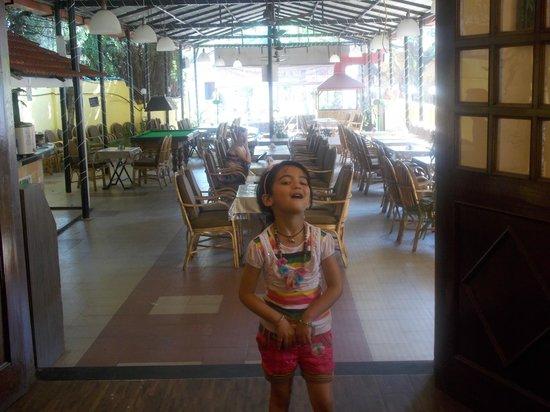Don Hill Beach Resort: Dining