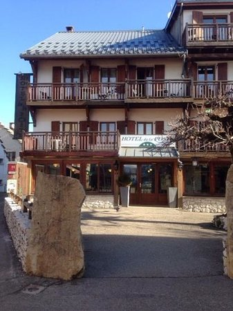 Hotel Restaurant de la Poste: devant l'hotel