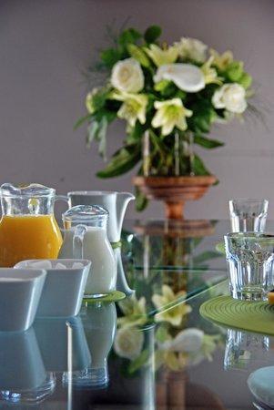 Côté Jardin Bed & Breakfast : Petits déjeuners servis tous les matins
