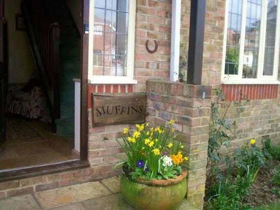 Muffins Bed and Breakfast: front door