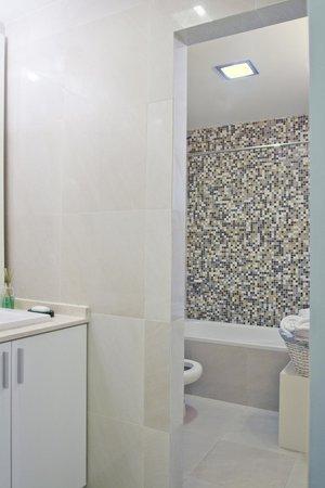 Soho Point: Bathroom