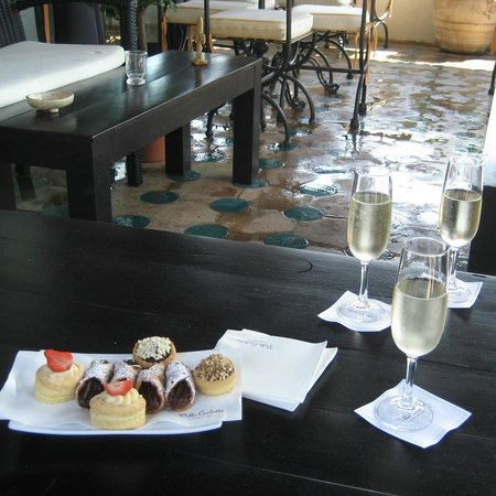 Hotel Villa Carlotta: Dessert on the terrace