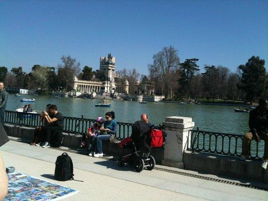 Parque del Retiro: The Pond