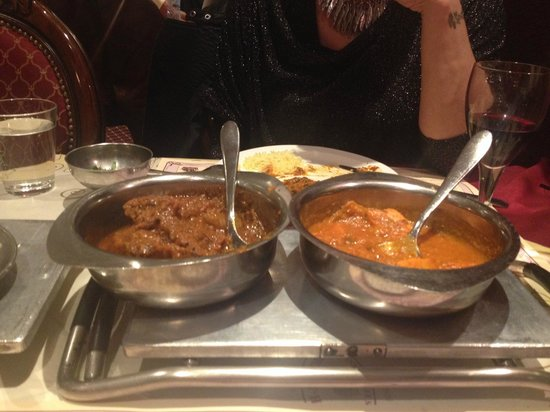 Koh-i-Noor : Lamb curry on the left and chicken curry on the right.