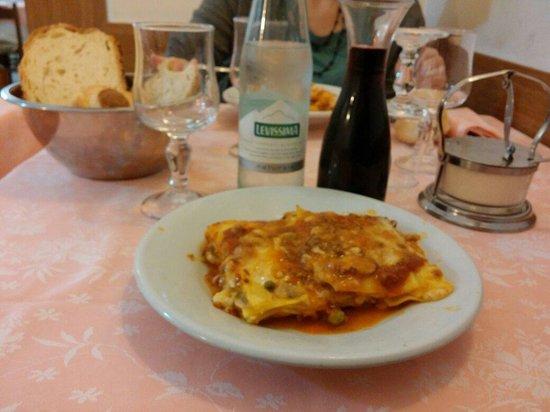 Da Tito al Venezia Restaurant: Lasagne !