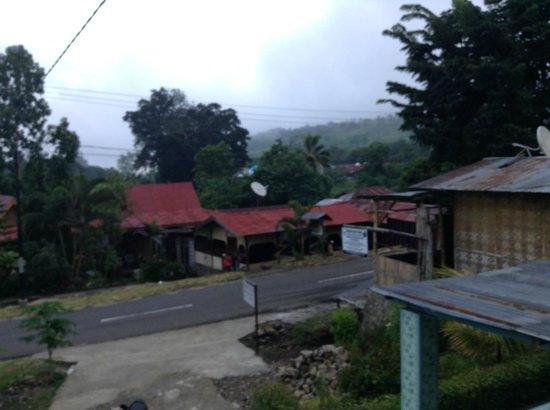 Estevania Lodge: pemandangan depan kamar