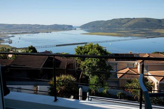 Villa Afrikana Guest Suites: Uitzicht op De Heads