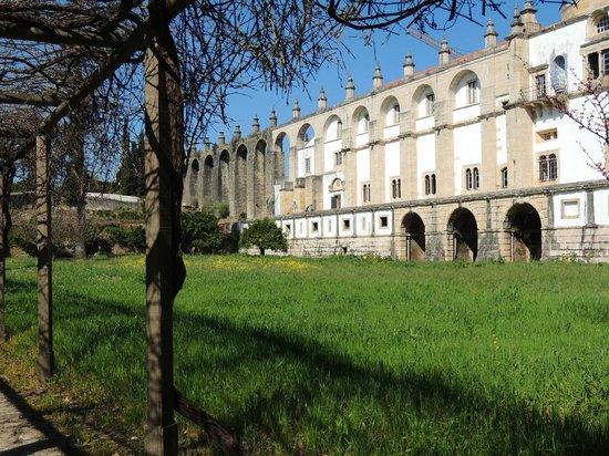 Convento de la Orden de Cristo: Jardim