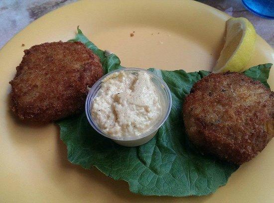 The Key Largo Conch House Restaurant & Coffee Bar: crab cakes